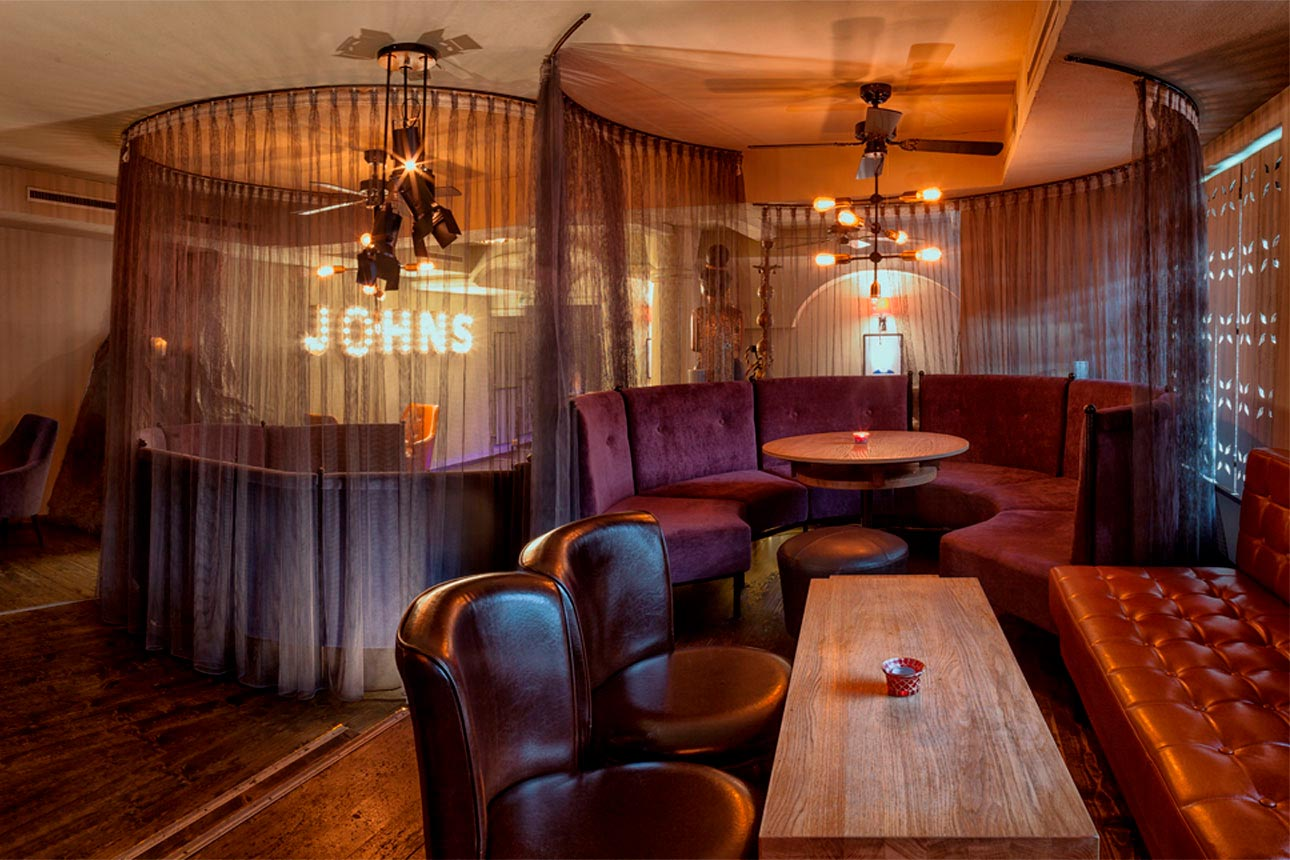 Mr. John's - Sambala Lounge